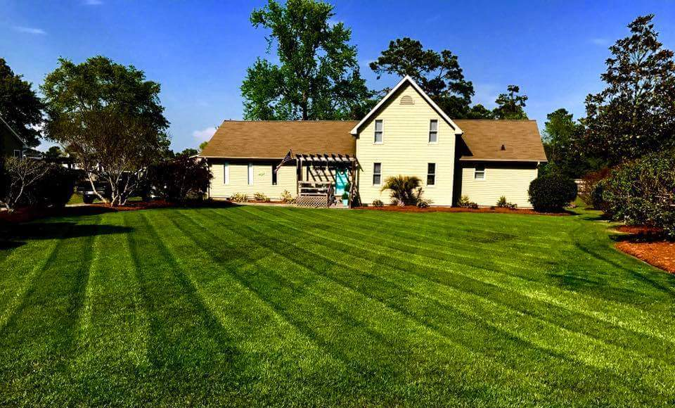 Apple Creek Landscaping Lawn Care